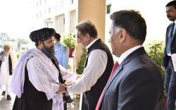 پاکستان: رهبری طالبان را به خاطر تسهیل مذاکرات صلح دعوت کردیم