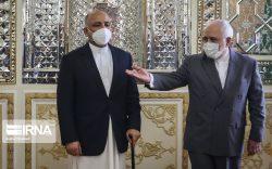گفتوگوی وزرای خارجۀ افغانستان و ایران/ ایران پرداخت پول به طالبان را کذب خواند