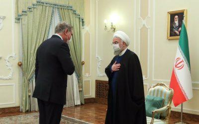 روحانی:  ایران و پاکستان در روند صلح افغانستان نقش خود را ایفا کنند